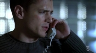 Prison Break 02x15 : The Message- Seriesaddict
